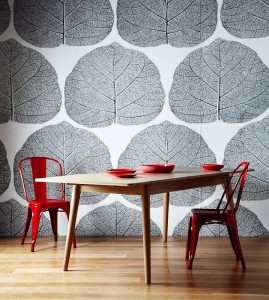 unusual-home-design-large-leaf-wallpaper